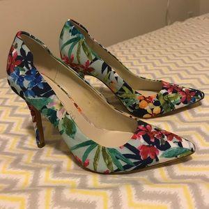 Aldo floral pumps 3in heels