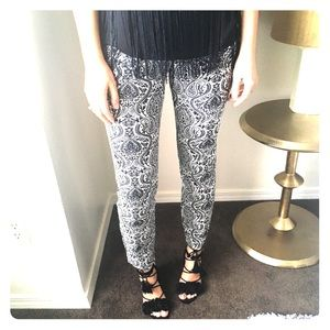 Zara Damask Print Side Zip Dress Pants