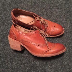 Frye Maggie Perforated Oxford Heels
