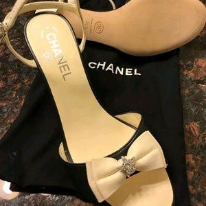 NWOT Chanel black/beige leather slingback sandals