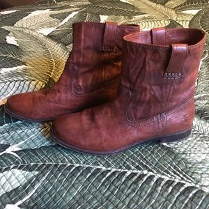 FRYE size 11 women's Anna Shortie boots