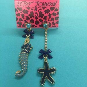 New Betsey Johnson seahorse starfish long earrings