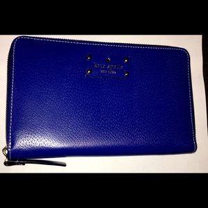 Kate spade clutch / wallet