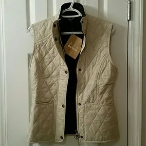 Barbour Quilted puffer vest size 4 small