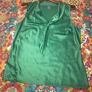 Ann Taylor petites 14P green sleeveless Blouse