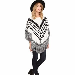 Kensie Sweater Poncho Fringe Detail Black Ivory ML