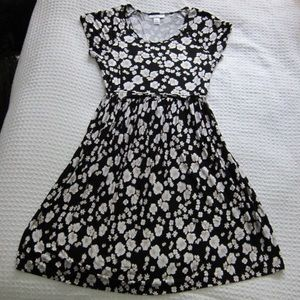 Black & white Floral belted maternity dress