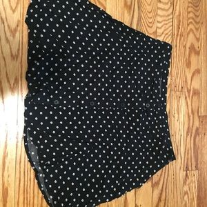HM size 8 button up skirt patterned