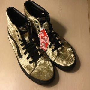 New Authentic Vans Women's Shoes