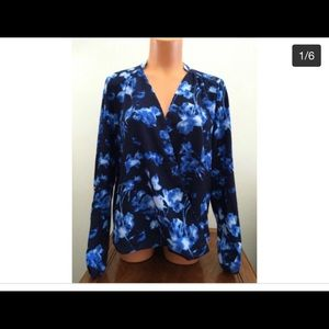 NWT Vince Camuto Long Sleeve Blouse Top