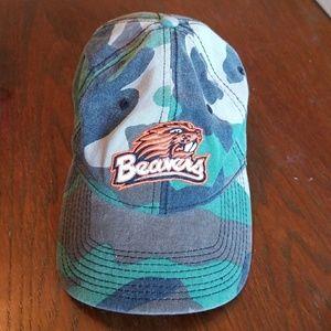 Camo Oregon State Beavers hat