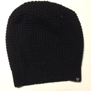 Aritizia Black Knit Beanie