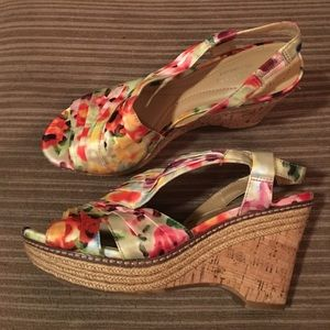 EUC Naturalizer N5 satin Lulianna wedges sz 8