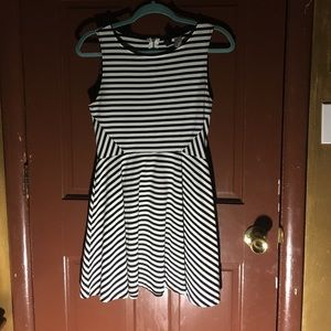 Black & White Dress 👗