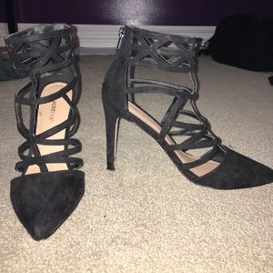 "Pair of JustFab 4"" black, pointed toe heels. Sz:8"