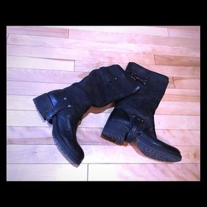designer Vera wang leather and suede boots
