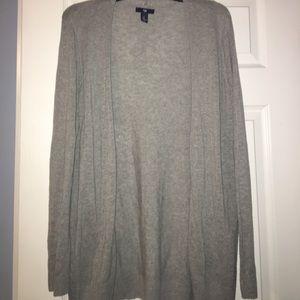 Gently used gray gap sweater