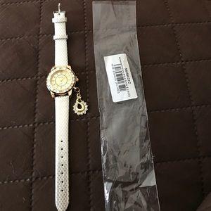 Accessories - Beautiful watch
