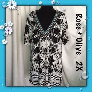 Rose + Olive / Black White V Neck Tunic / Size 2X
