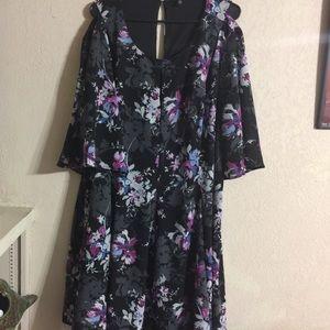 EUC TORRID DRESS
