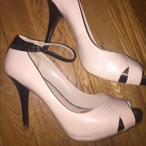 Nude and Black Two Tone Ankle Strap Peep Toe Sz 9