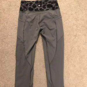 lululemon athletica Pants - ATRP crop gray size 6 excellent condition RARE