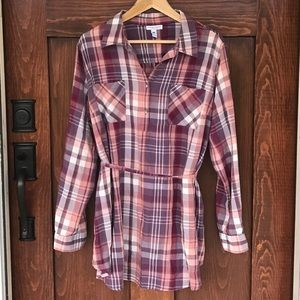 Liz Lange maternity long cotton plaid Button Down