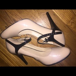 Nude and Black Two Tone Patent Mary Jane Sz 9