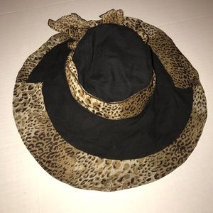 Packable animal print hat 🎩