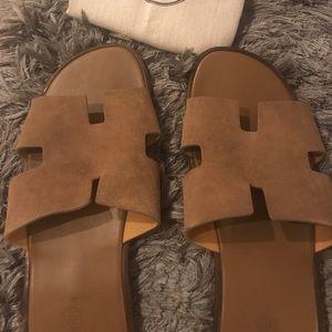 477da71df929 Hermes Shoes - Hermès izmir men sandals camel sz 46