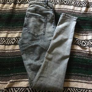 H&M light blue acid wash skinny jeans