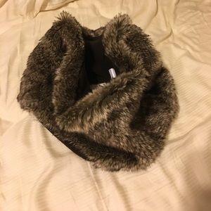 Gap faux fur cowl neck scarf