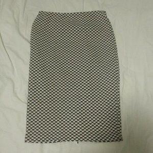 H&M black and white highwaisted skirt