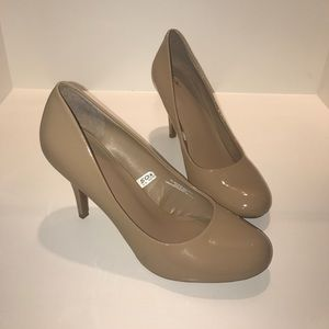 Mossimo Pearce camel pumps