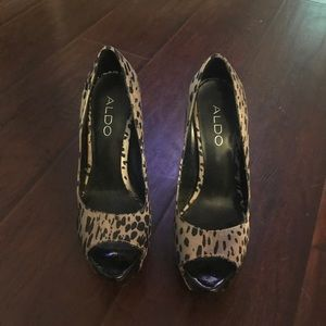 Aldo high heels size 5