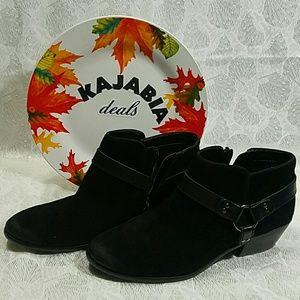 Sam Edelman Black Suedr Zip Ankle Boots. Size 8.5