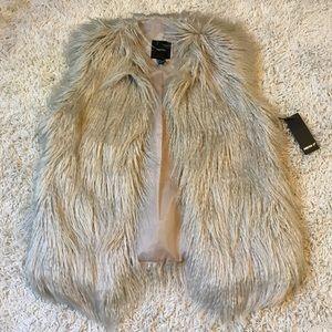NWT Forever 21 Faux Fur Vest