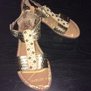 Gold Textured Sandals