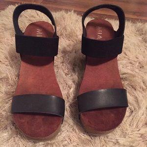 MIA black and cork shoes