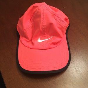 Nike running hat EUC