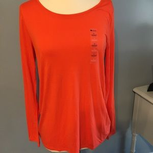 Tops - Medium orange tee. Must have for fall