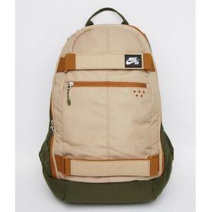 Nike SB Embarca Backpack with Skateboard Strap