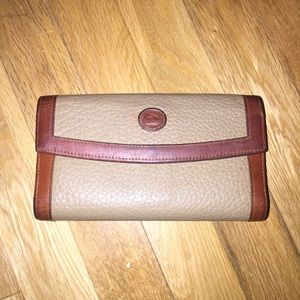 Women's Dooney & Bourke wallet