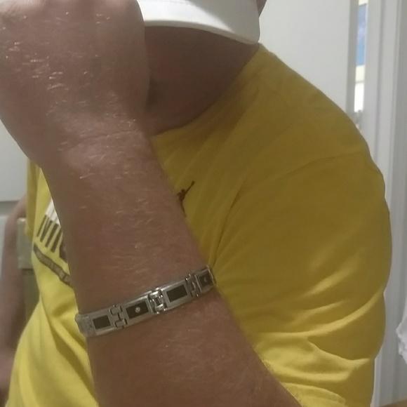 Accessories - Men's onyx and diamond bracelet