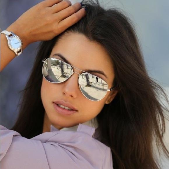 bd69dd6f3e4e3 silver ray ban aviator mirrored sunglasses. M 59c7d317291a359f7b021753