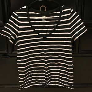 Old Navy Relaxed Striped V-Neck (XS)
