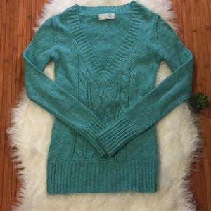 Beautiful Old Navy V-Neck Sweater