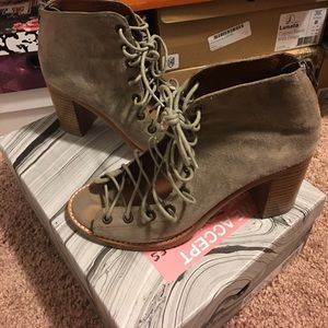JC Cors Mid-heels