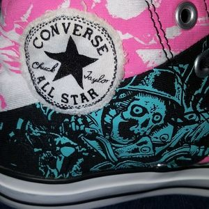 🖤☠CHUCK TAYLOR ALL STAR CONVERSE