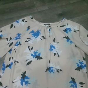 NWT Vince Camuto blouse, XS